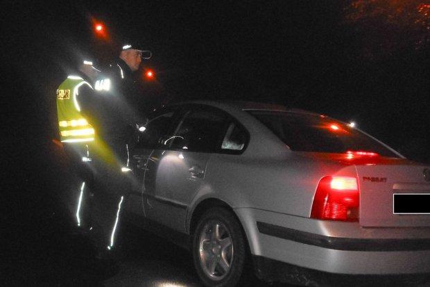 Wzmożone kontrole policji w pobliżu klubów nocnych: 4 przestępstwa i 42 wykroczenia