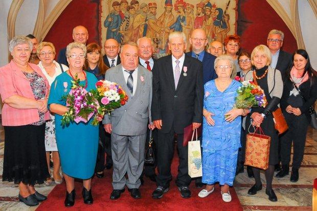 Państwo Majchrowiczowie i Romanowiczowie świętowali złote gody