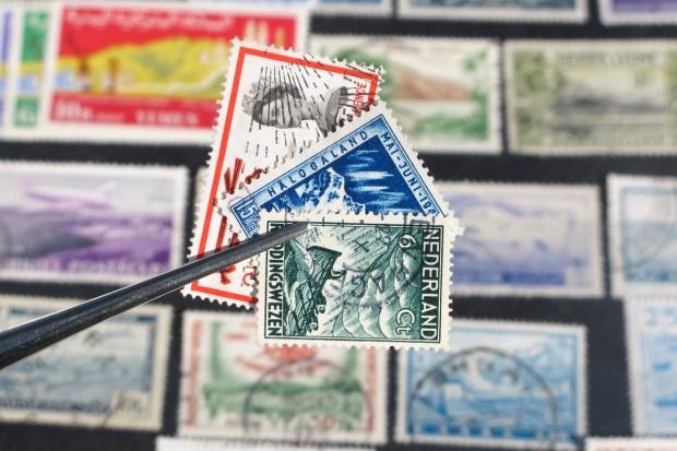 Znany policji włamywacz ukradł klasery ze znaczkami i rury miedziane. Wpadł, bo nerwowo się zachowywał