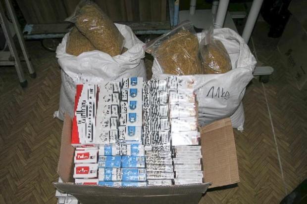 21-latek wpadł z 25 kg nielegalnego tytoniu i niemal 8 tys. sztuk papierosów
