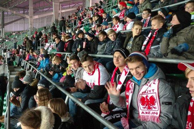 Dzieciaki z gminy Warta Bolesławiecka kibicowały Orłom Nawałki