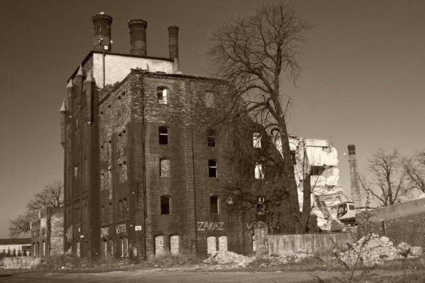 Wystawa fotograficzna Miejsca opuszczone w CIK Orzeł
