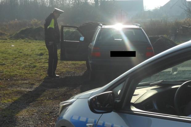 Zimowa akcja policji: dowody rejestracyjne 26 pojazdów zatrzymane