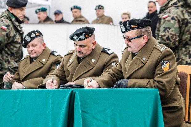 Pułkownik Dariusz Parylak nowym dowódcą świętoszowskich pancerniaków