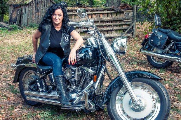 Agata Koziarz: Z miłości do fotografii, muzyki i… motocykli
