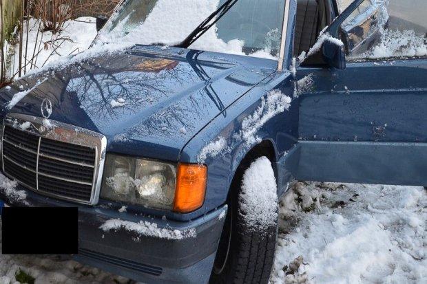 Samochodowi złodzieje wpadli, bo kradziony Mercedes… utknął w śniegu