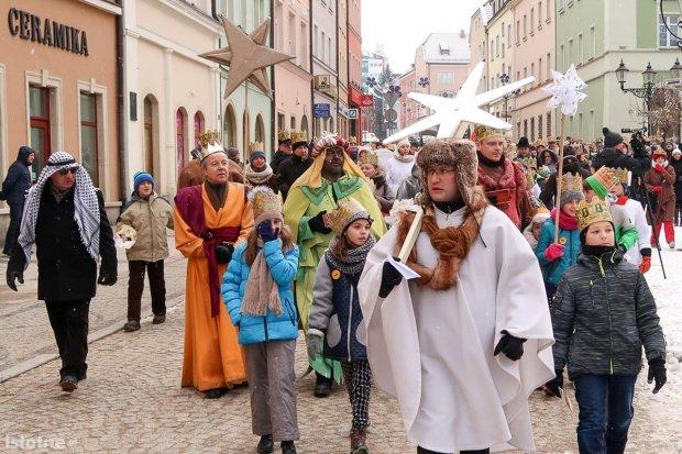 Zobacz, kto szedł w Orszaku Trzech Króli w Bolesławcu