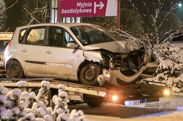 Wypadek na 1000-lecia. 38-latka ciężko ranna
