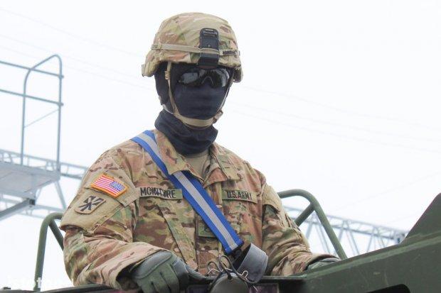 Amerykanie zwożą do Bolesławca coraz więcej sprzętu wojskowego