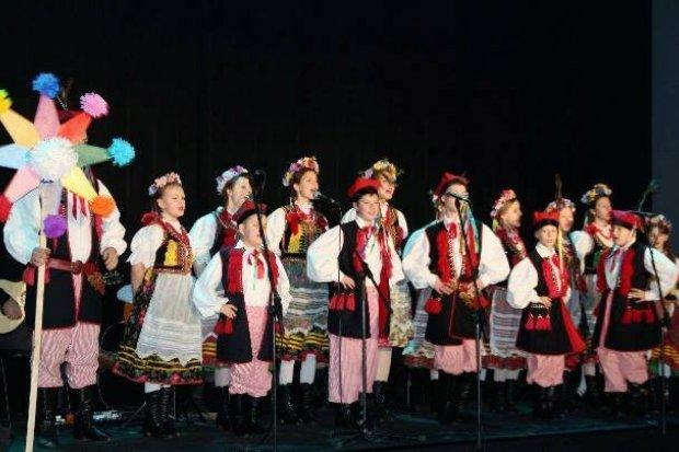 Utalentowane wnuczki koncertowały dla babć i dziadków