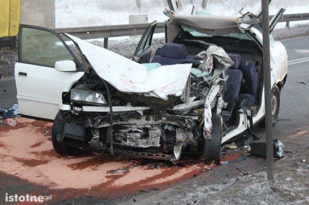 33 i 34-letni bolesławianie ranni w wypadku pod wiaduktem
