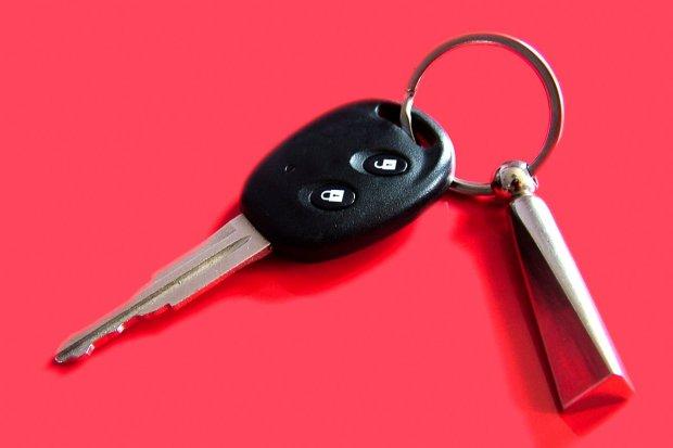 Ukradł koledze kluczyki do auta, a potem go okradł