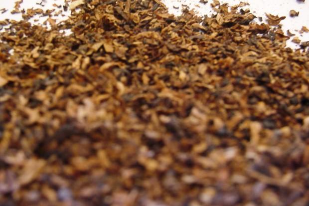 Wpadli z ponad 8 kg nielegalnego tytoniu