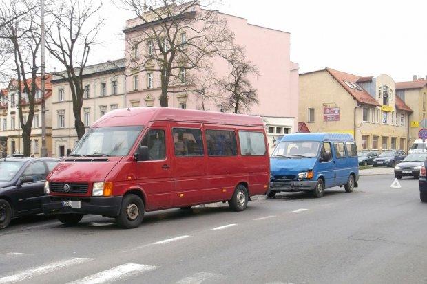 Zderzenie trzech samochodów koło prokuratury