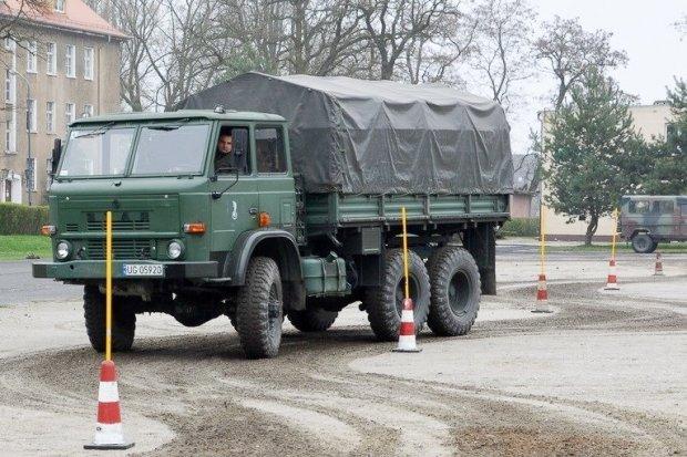 Bolesławiecki artylerzysta wśród najlepszych kierowców Czarnej Dywizji