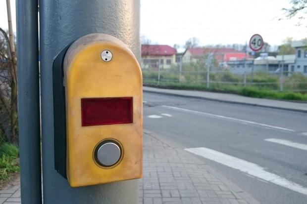 Przycisk na skrzyżowaniu nie działa, piesi mają problem