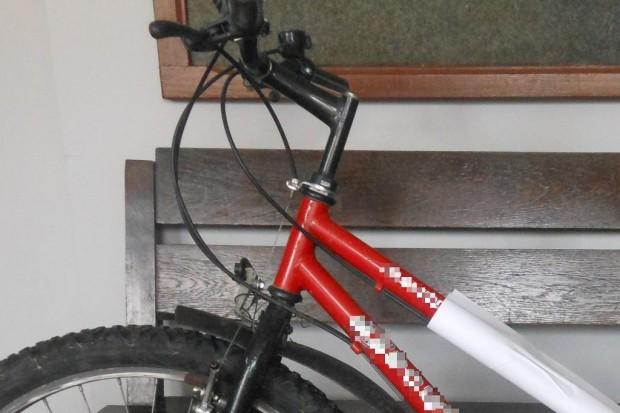 Policjanci szukają właściciela roweru