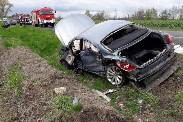 Wypadek pod Iwinami. Dwie osoby ranne