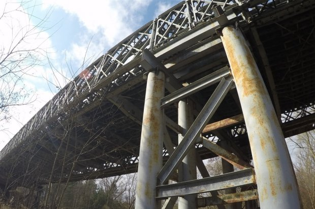 Rozbiorą most w Świętoszowie, będzie kładka dla pieszych?