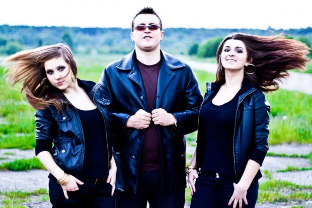 Zespół disco polo Hi-Fi i covery Albano i Rominy Power na Pikniku Europejskim 1 maja