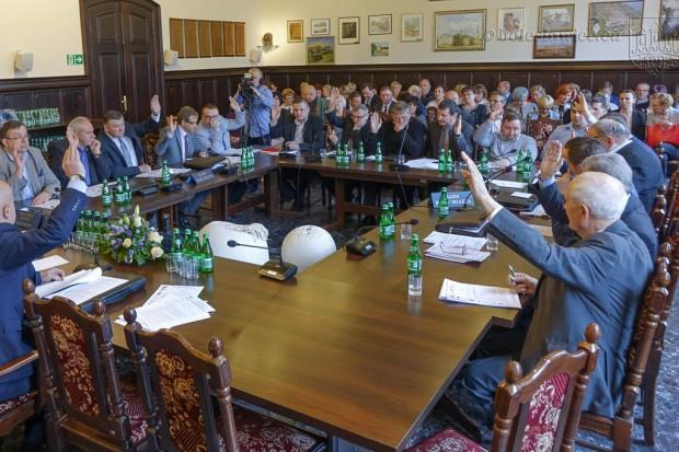 Miasto: Budżet na 2018 r. uchwalony jednomyślnie