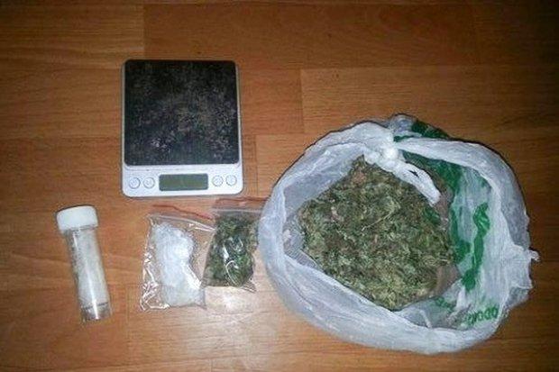 Wpadli z piko i marihuaną o wartości ok. 16 tys. zł