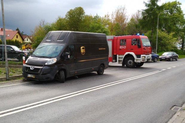 Zderzenie dwóch samochodów w Kruszynie – jedna osoba ranna