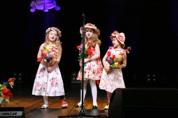 Przedszkolaki na scenie BOK – MCC