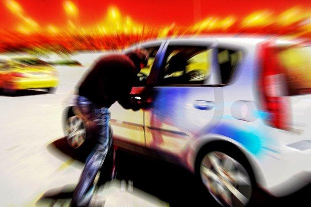 Seryjny złodziej samochodowy aresztowany