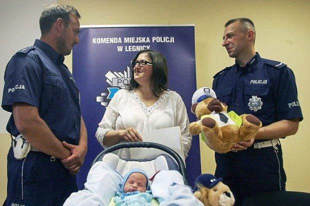 Rodzina najmłodszego policjanta z drogówki podziękowała mundurowym