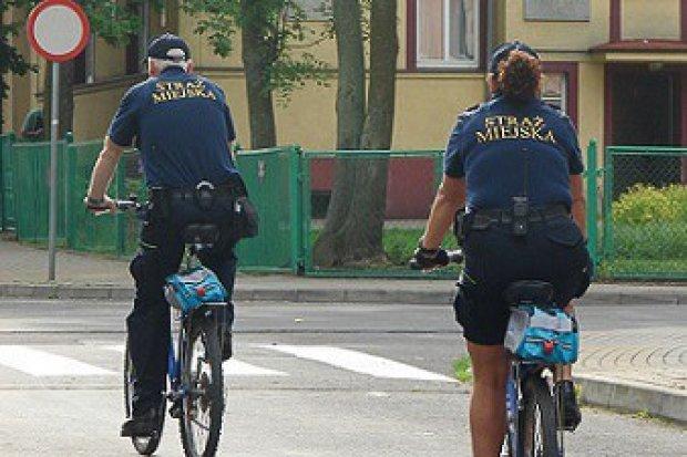 Poszukiwany przez policję mężczyzna ujęty przez strażników