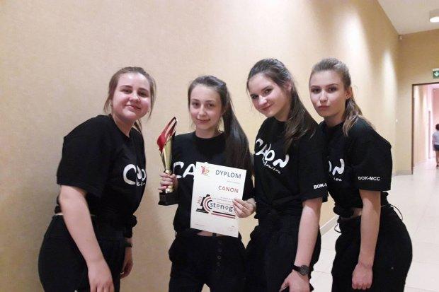 Canon i Canonki laureatami turnieju tańca Stonoga