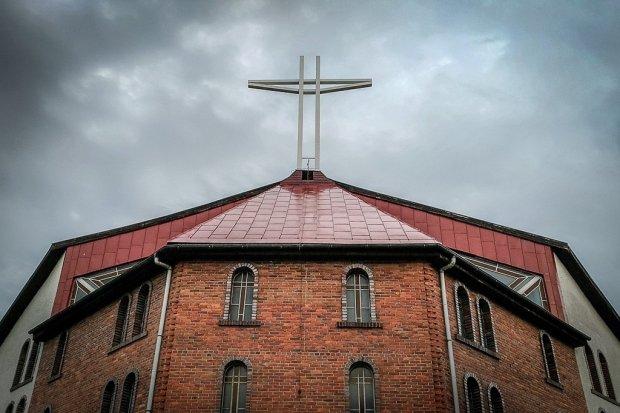 Rozłam w kościele Chrystusa Króla: wierni chcą odwołać proboszcza