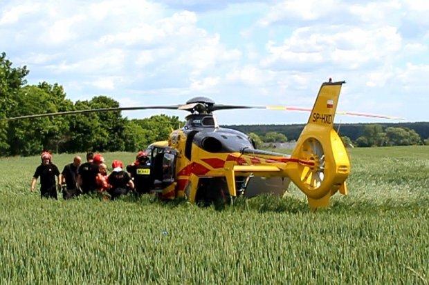 Zderzenie czołowe koło Chościszowic – dwie osoby ciężko ranne
