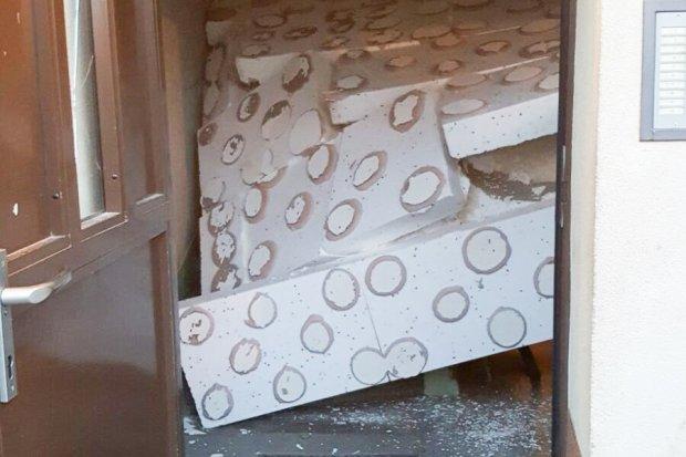 Katastrofa budowlana! Runął sufit w bloku na Górników