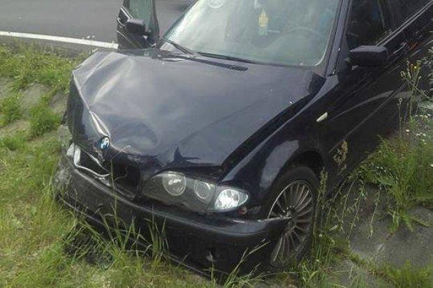 Wypadek na A18, dwie osoby ranne
