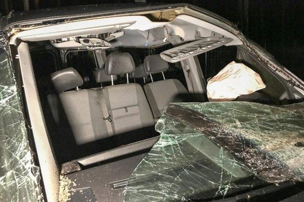 Wypadek na A18, zderzyły się trzy auta. 5 osób rannych