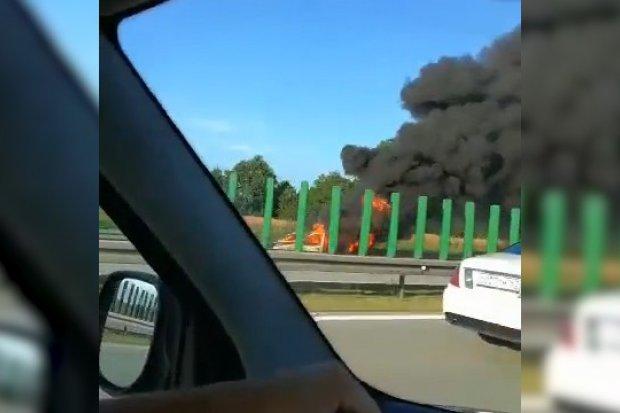 Pożar auta na autostradzie A4