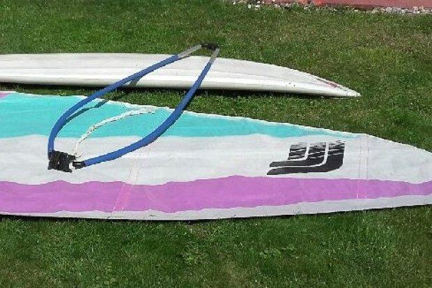 Recydywista włamał się do domu w budowie. Ukradł m.in. sprzęt do windsurfingu