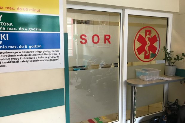Pacjent może otworzyć drzwi na SOR-ze tylko od wewnątrz. Wiemy dlaczego