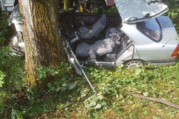 Wypadek między Łaziskami a Wartowicami – ranny policjant