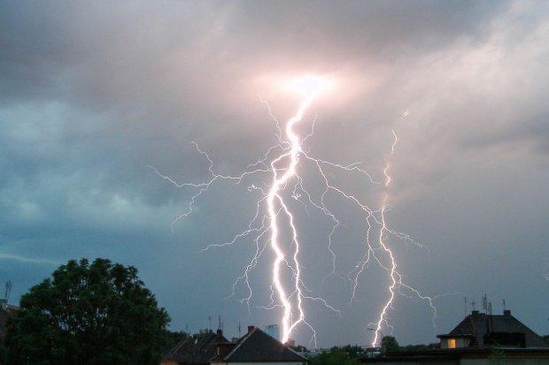 Niespokojnej pogody ciąg dalszy: uwaga na burze z gradem