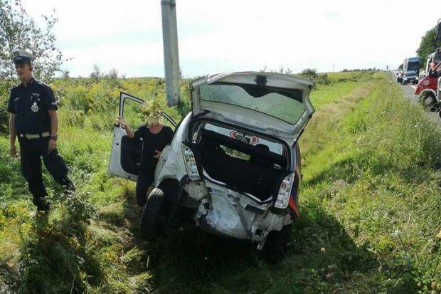 Wypadek między Czerną a Wykrotami. Trzy osoby ranne