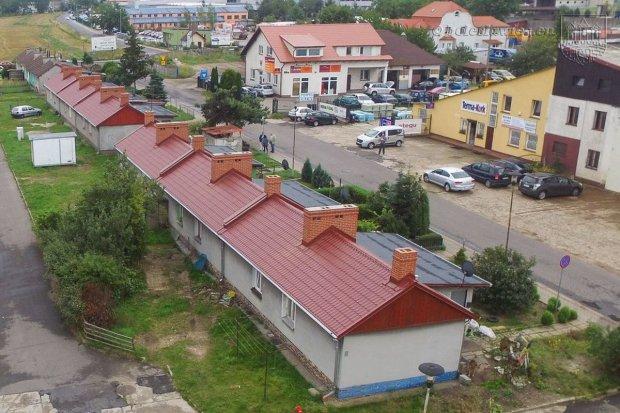 Budynki przy Kościuszki z nowymi dachami