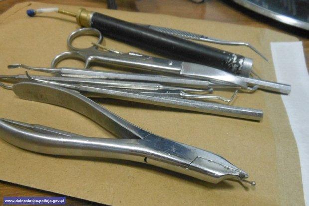 Ukradł sprzęt stomatologiczny warty 35 tys. zł. Włamywacz i paser w rękach policji