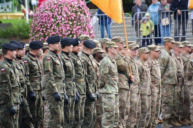 Nudny apel i efektowny pokaz sprzętu wojskowego w godzinach pracy bolesławian