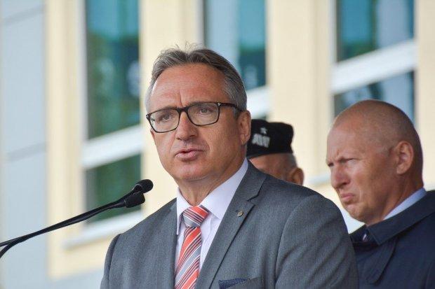 """Bezpartyjni trzecią siłą w Polsce? Jest sondaż """"Rzepy"""""""