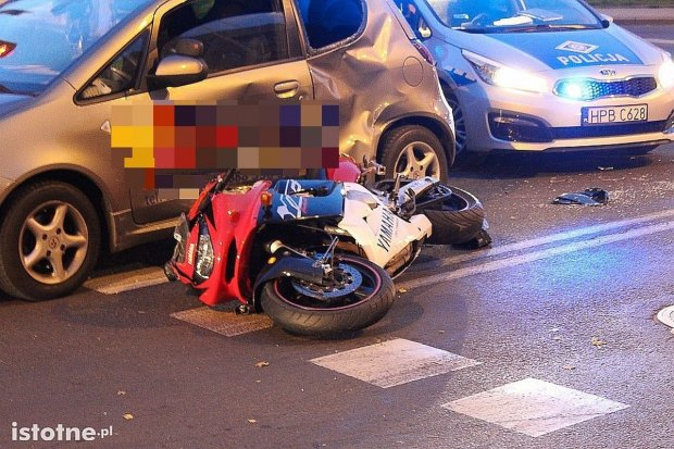 Zderzenie motocykla z nauką jazdy – motocyklista ciężko ranny