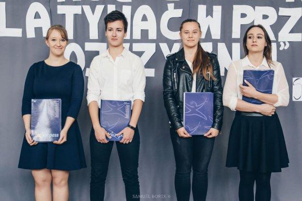 Uczniowie ZSOiZ z Certyfikatami Europass