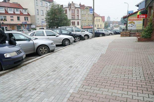 Zgorzelecka z nowym chodnikiem. Kobiety nie będą już łamać szpilek